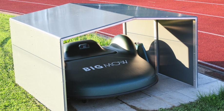 roga m hroboter garagen esslingen mowerhat 3020. Black Bedroom Furniture Sets. Home Design Ideas